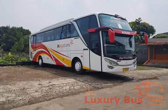 Harga Sewa Bus Pariwisata Bandung ke Surabaya